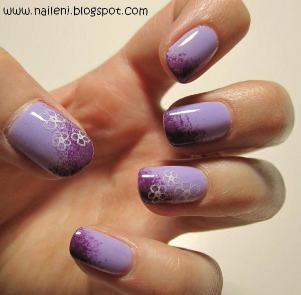 Nails Reloaded Nageldesign Blumen Auf Lila Farbverlauf
