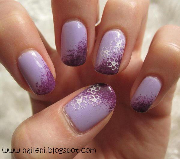 nails reloaded nageldesign blumen auf lila farbverlauf. Black Bedroom Furniture Sets. Home Design Ideas
