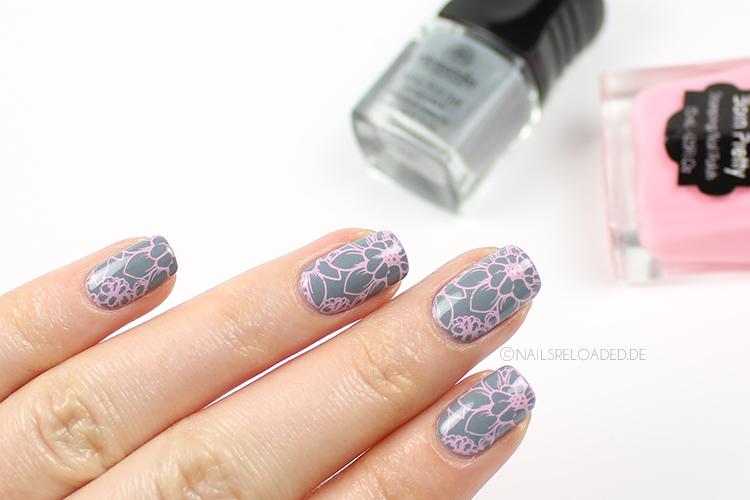 Nails Reloaded Nageldesign Grau Rosa Floral