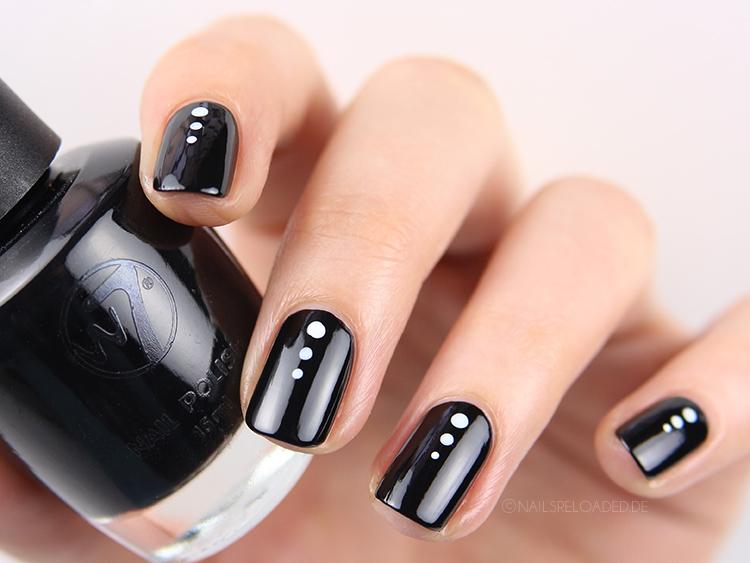 Nails Reloaded Nageldesign Dotticure Schwarz Weiss 5