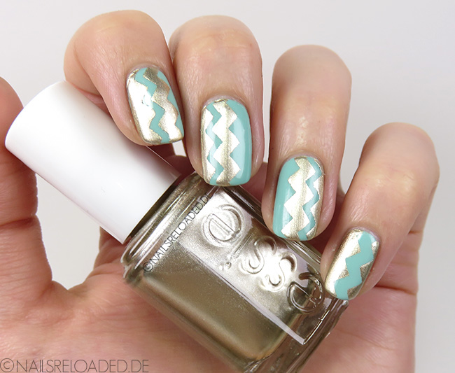 Nageldesign - Gold Metal Chevron