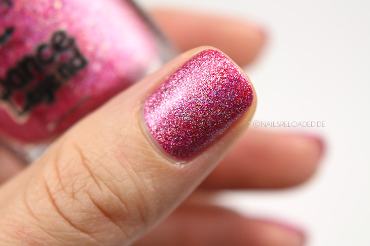 holografischer Nagellack in Pink