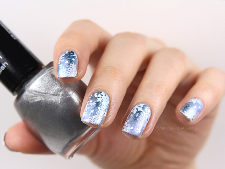 Nageldesign Winter silber blau