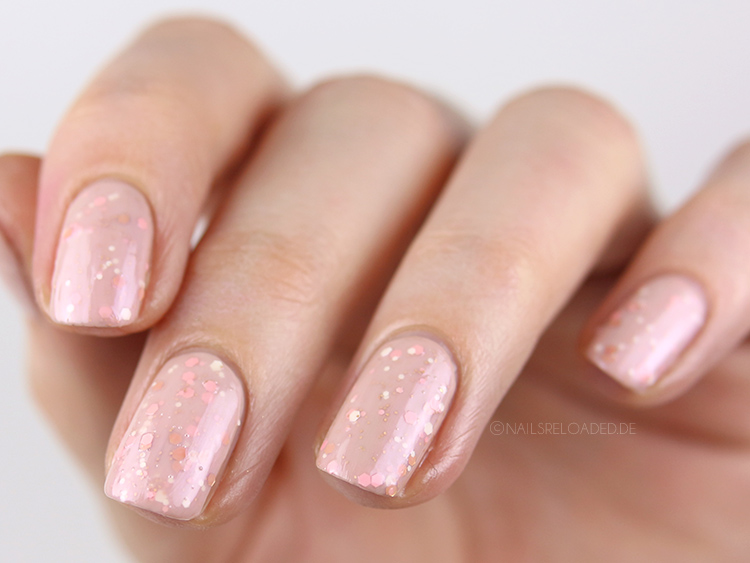 fertiges glitter sandwich Nageldesign