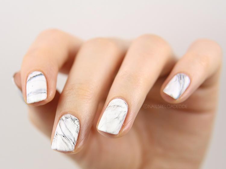 marmorierte Nägel